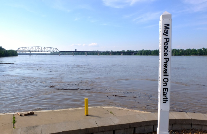 The mighty Mississippi, looking upstream from Hannibal Missouri